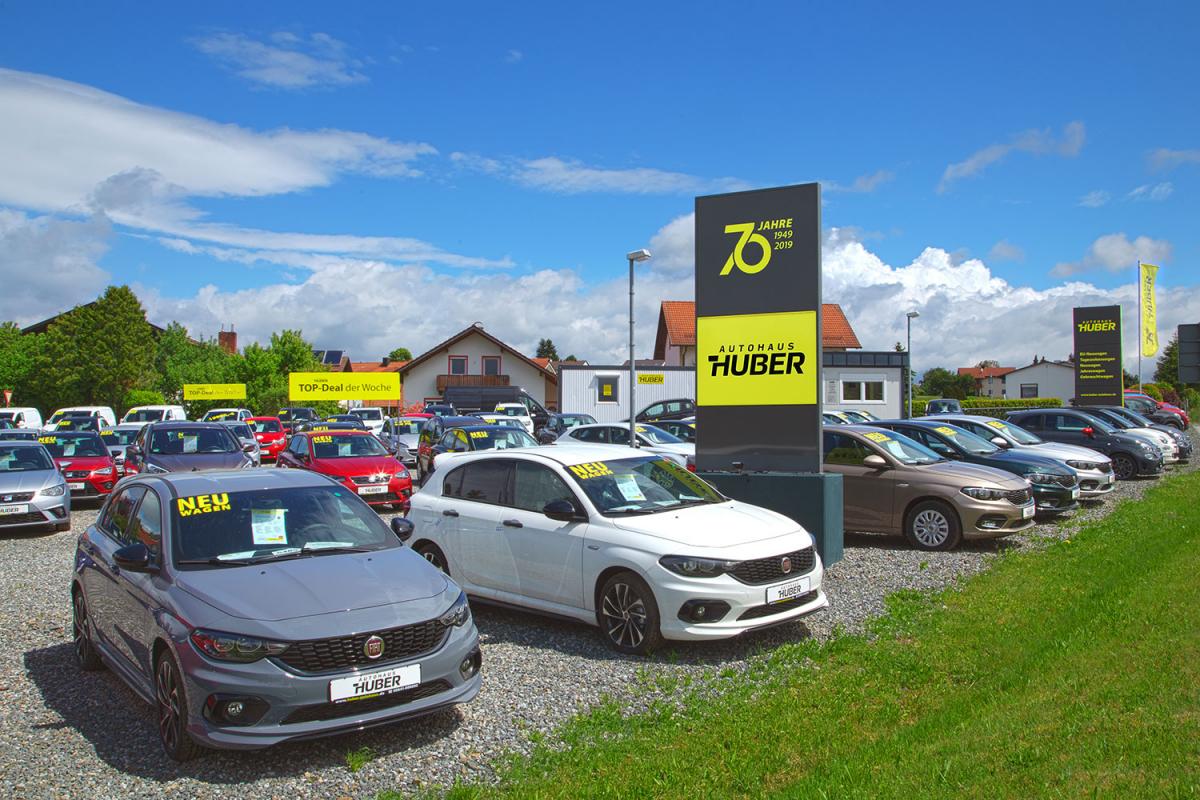 Autohaus Huber Platz-Beschriftung | Werbeagentur Ritter